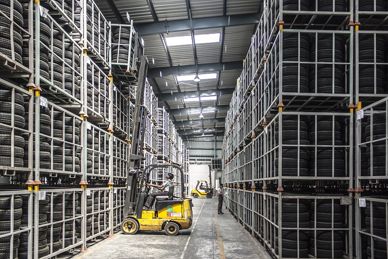 Office Lighting Ideas for Your Warehouse Person on a Warehouse Forklift in a Warehouse
