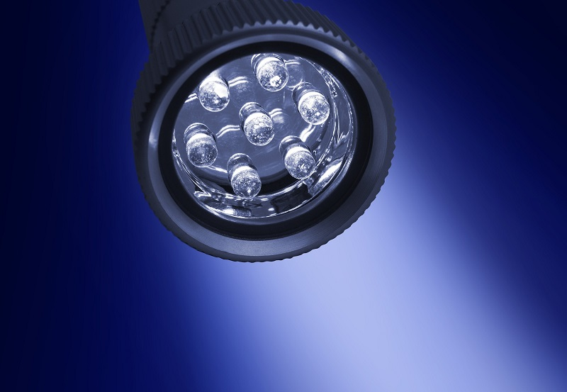 What are COB LED Lights a Flashlight with DIP LEDs