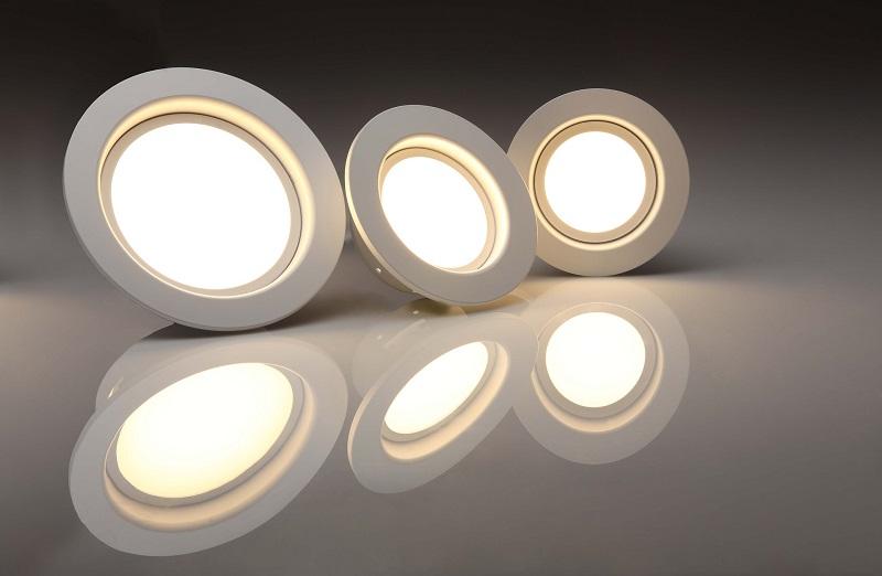 Cob vs SMD Lights Three LED Lights Lit Up