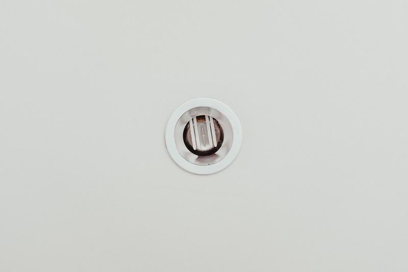 Cree vs COB LED Lights Close Up of a Light Fixture